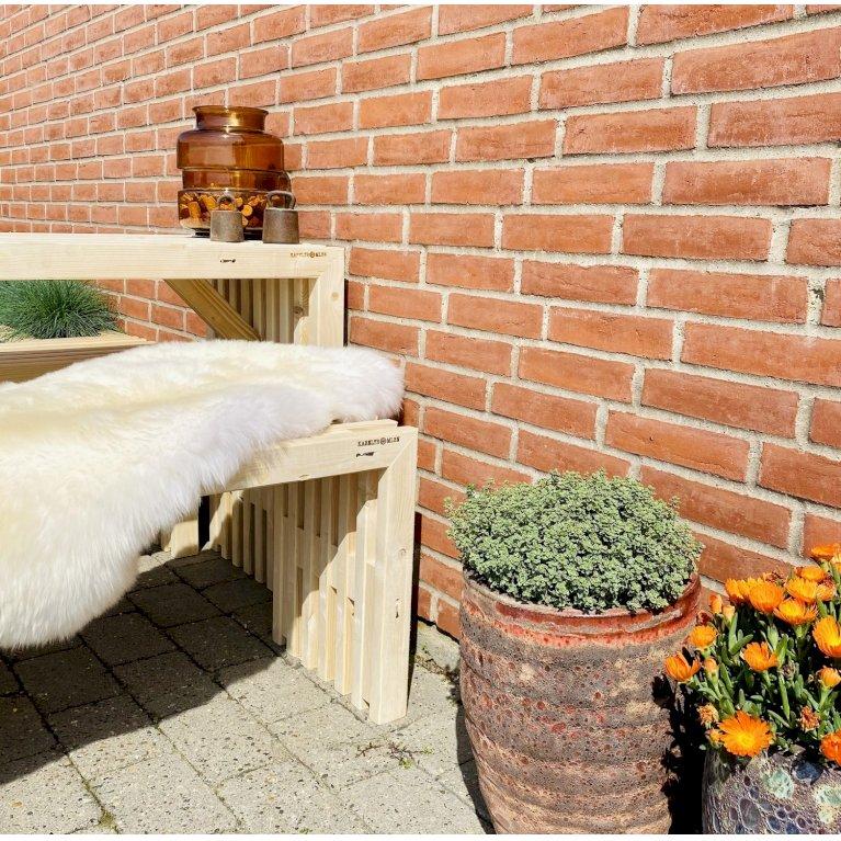 Bord og bænkesæt til altanen