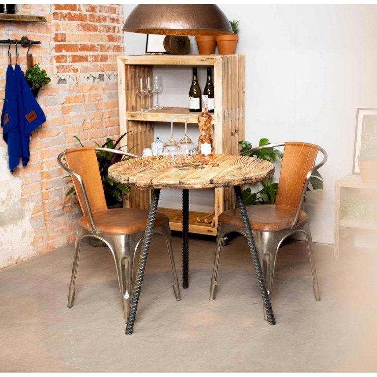 Cafébord med armeringsjernben